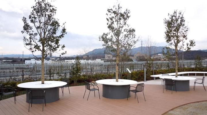 施工実績:パナソニック(株)アプライアンス社W20棟 屋上緑化